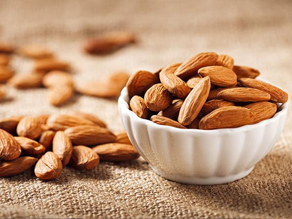 9 Gifts California Almonds 1 KG Price
