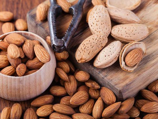 Buy Best quality Almond (Badam) With Shell 1kg